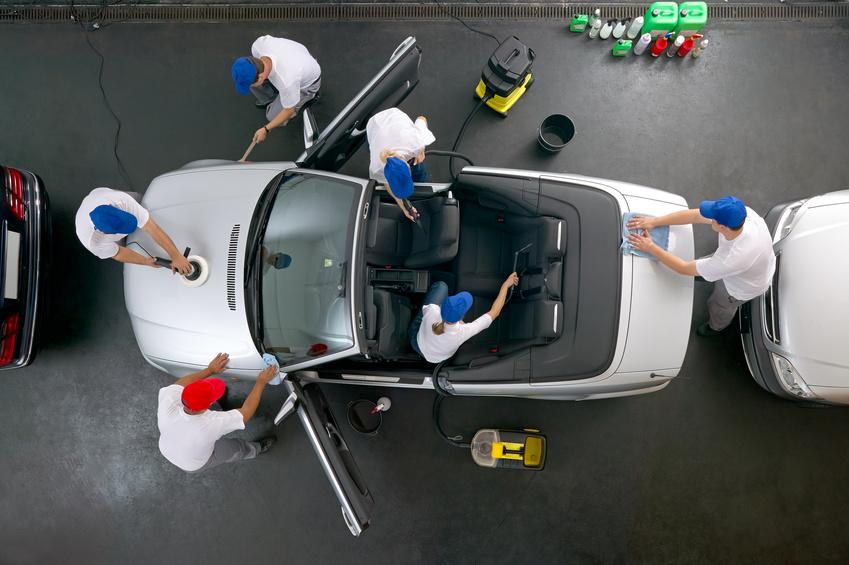 Fahrzeugaufbereitung innen und außen